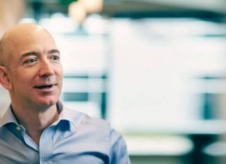 Jeff Bezos, Amazon meilleur PDG au monde