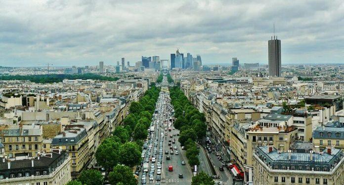 France, loi, toits végétalisés, panneaux solaires