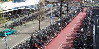Parking vélos, Amsterdam