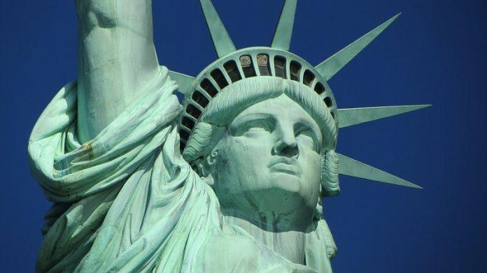 Statue de la Liberté, vols Etats-Unis