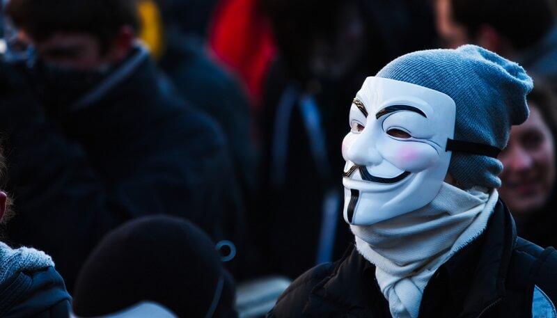 Censure internet, médias sociaux bloqués
