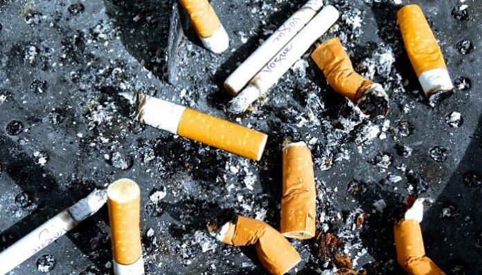 méots, cigarettes, Paris, saleté
