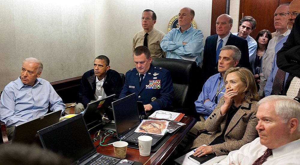 Barack Obama, Opérations, Crise