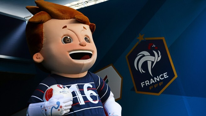 Super Victor, mascotte de l'Euro 2016