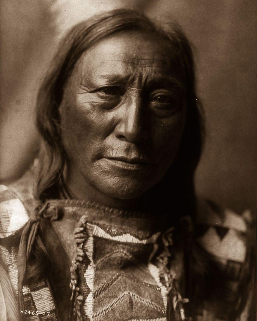 Souvent De rares photos montrent comment vivaient les derniers indiens d  YJ93